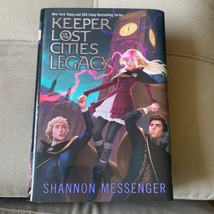 """""""Keeper of the Lost Cities"""" series """"Legacy"""""""